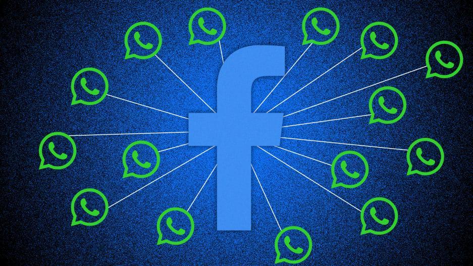 Facebook con logos de WhatsApp